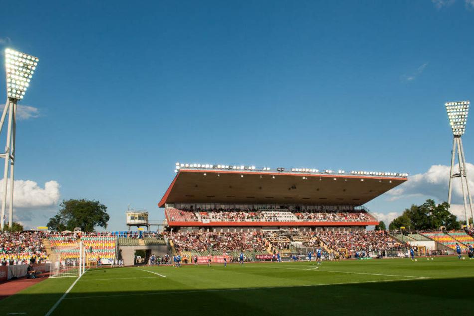 Das Friedrich-Ludwig-Jahn-Stadion weicht einem Neubau.