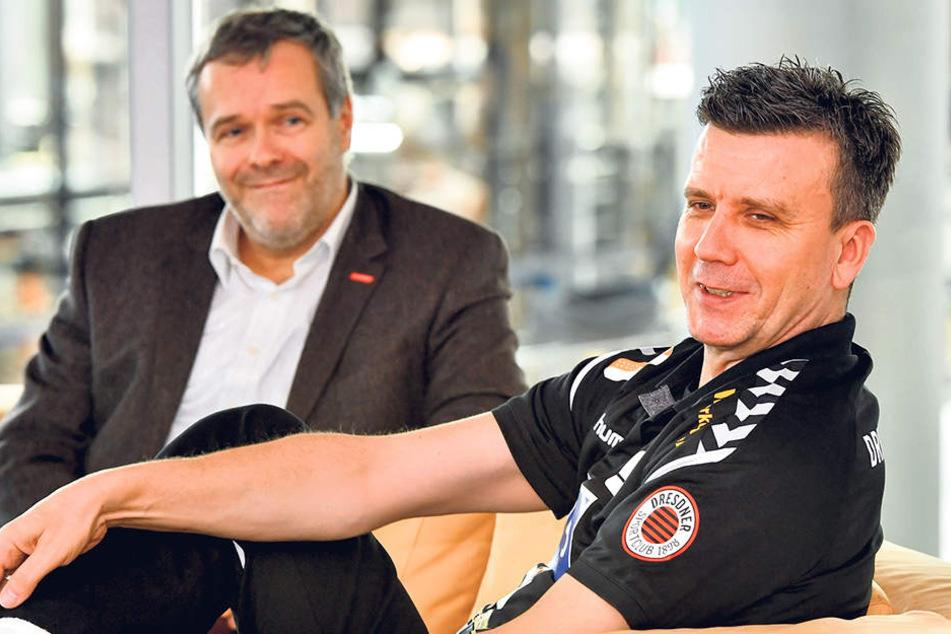 """Sie brauchen keine """"Beziehungscouch""""! Es ist nicht zu übersehen: Vorstands-Chef Jörg Dittrich (l.) und Chefcoach Alex Waibl verstehen sich prächtig."""