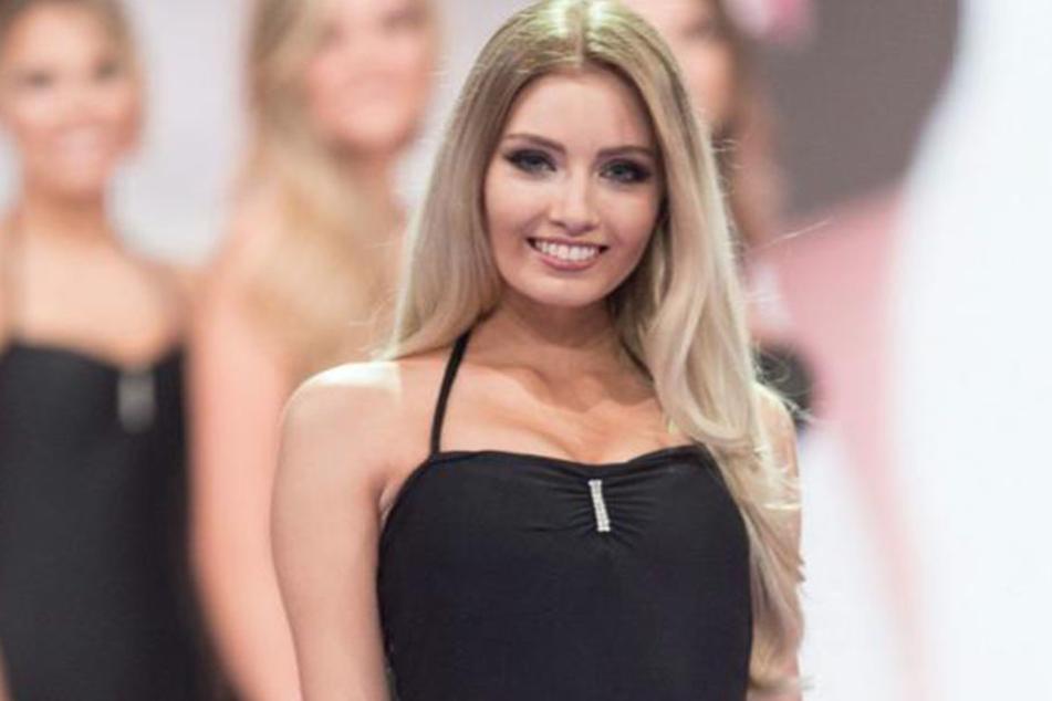 Mit ihren langen blonden Haaren und ihren grünblauen Augen bezauberte die Schülerin die Jury.