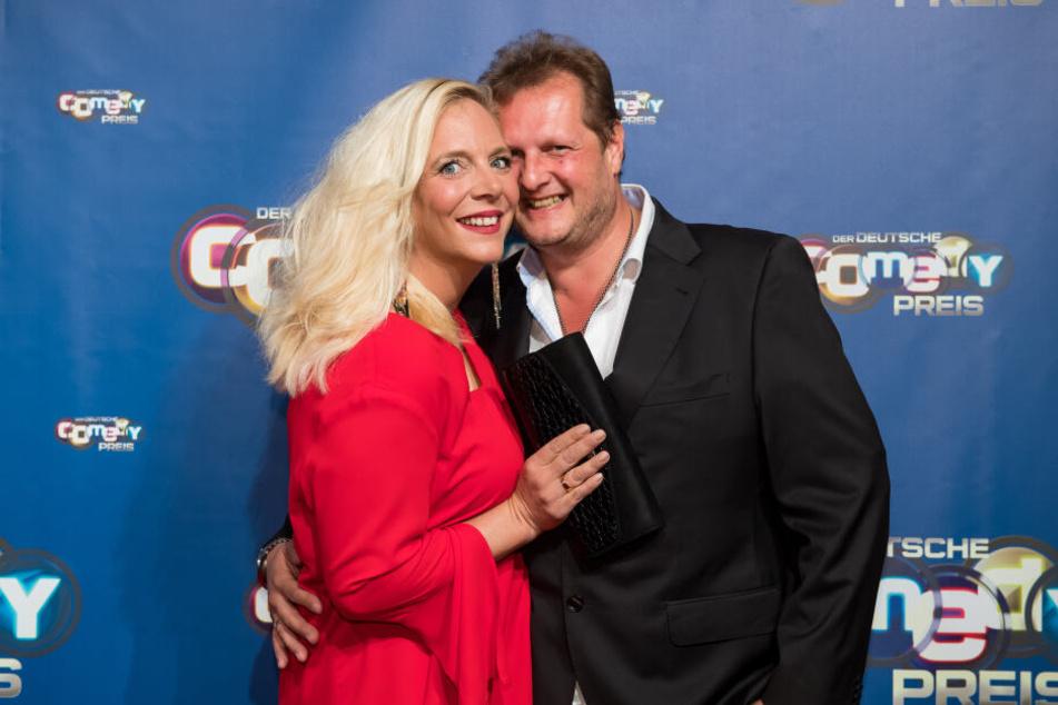 Ein Foto aus glücklichen Tagen: Daniela und Jens Büchner im Oktober 2017 bei der Verleihung des Deutschen Comedy Preises.