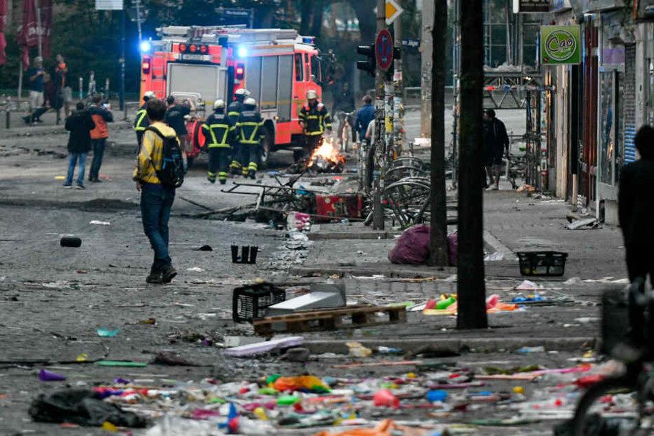 Zahlreiche Brände musste die Feuerwehr auch bei den G20-Ausschreitungen löschen.