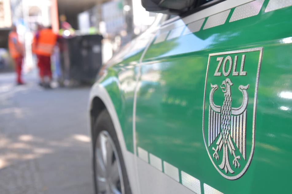 Beamte des Zolls stoppten einen Kleintransporter bei Frankfurt/Oder. (Symbolbild)