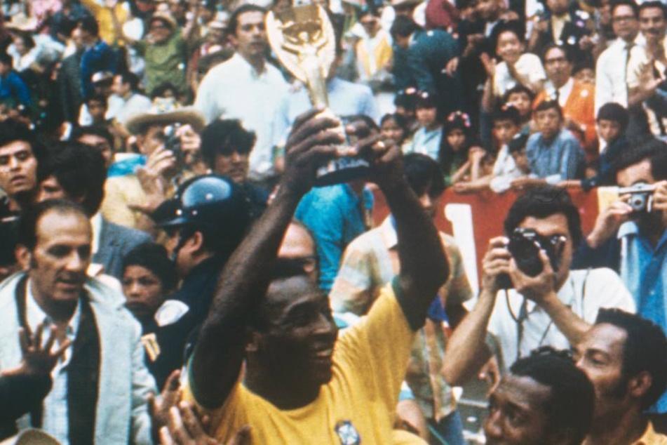 Brasilien gewann 1970 bereits den dritten WM-Titel und durfte den Pokal behalten.