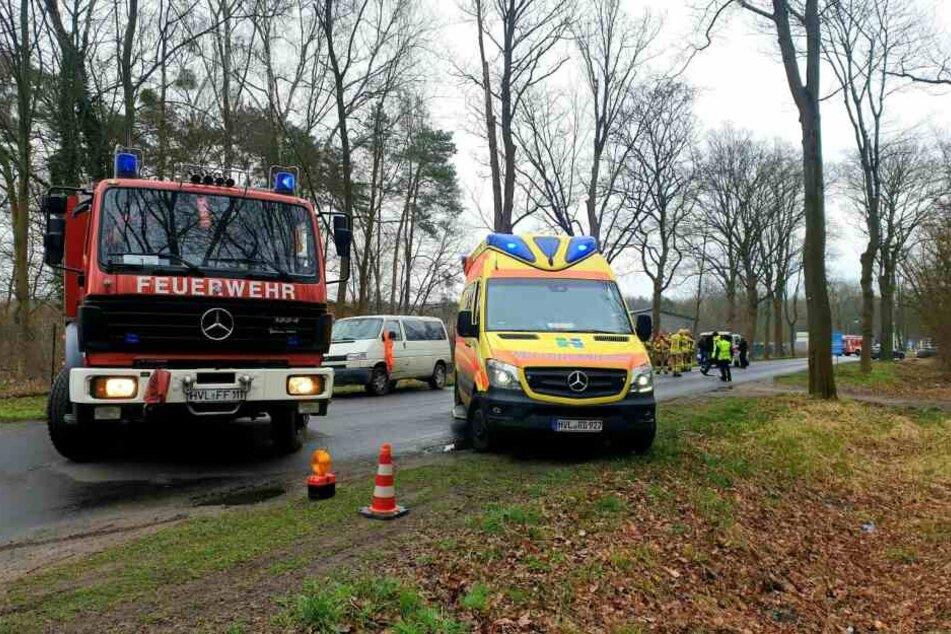 Eine Fußgängerin ist bei einem tragischen Unfall in Falkensee ums Leben gekommen.