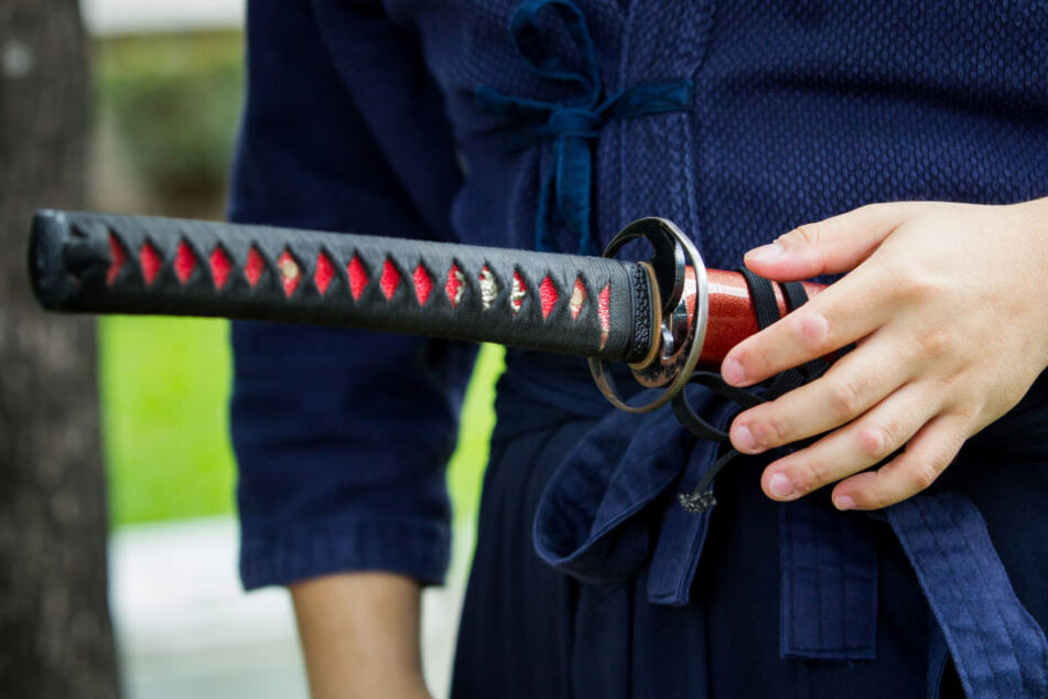 Im Streit zog einer der Männer ein Samuraischwert.
