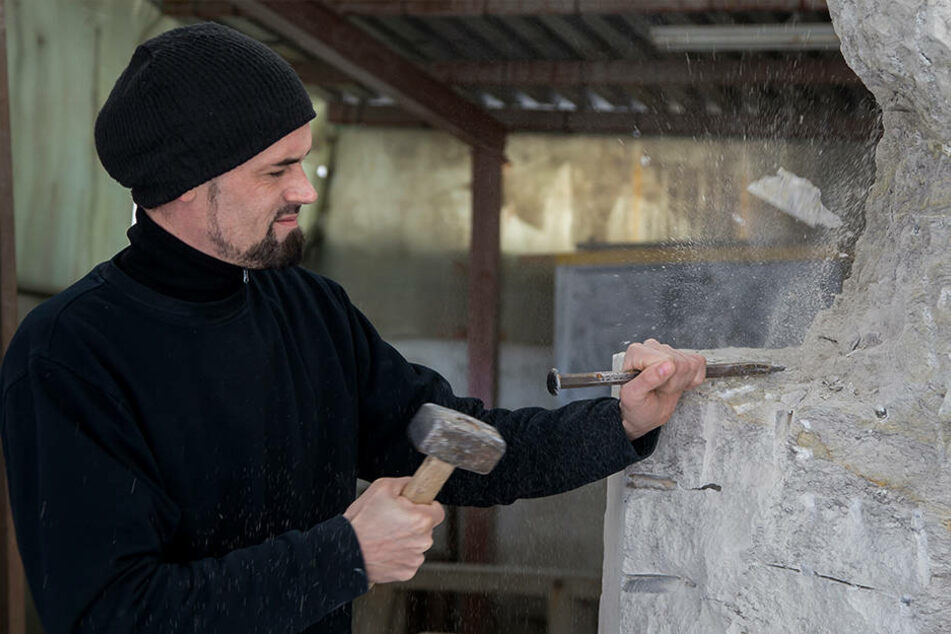 Sachse verwandelt Felsbrocken in Sanssouci-Kunstwerk
