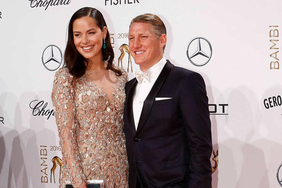 Ana und ihr Bastian Schweinsteiger (32) heirateten im Juli.
