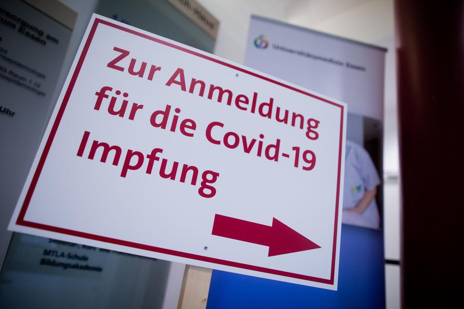 Zehntausende Impftermine sind am Montag im Rheinland vergeben worden. (Symbolbild)
