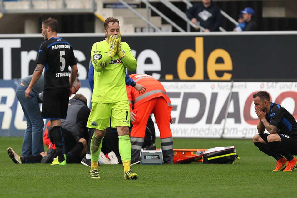 Schockmoment: Christian Bickel bleibt in der 73. Minute bewusstlos am Boden liegen.