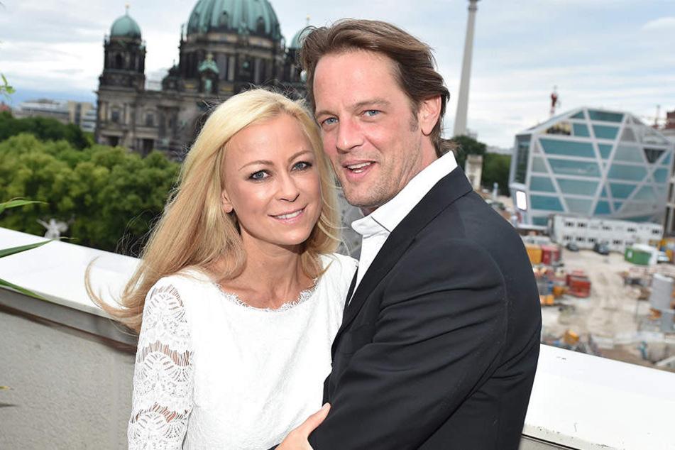 Drei Jahre sind Jenny Elvers und Steffen von der Beeck ein Paar.