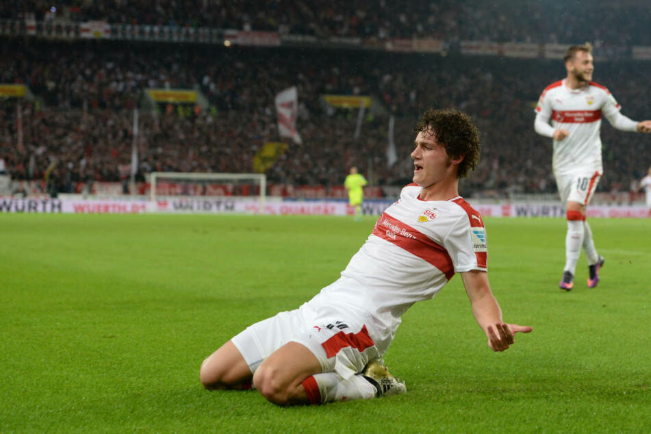 Große Ehre: VfB-Ass Pavard erstmals ins Nationalteam berufen