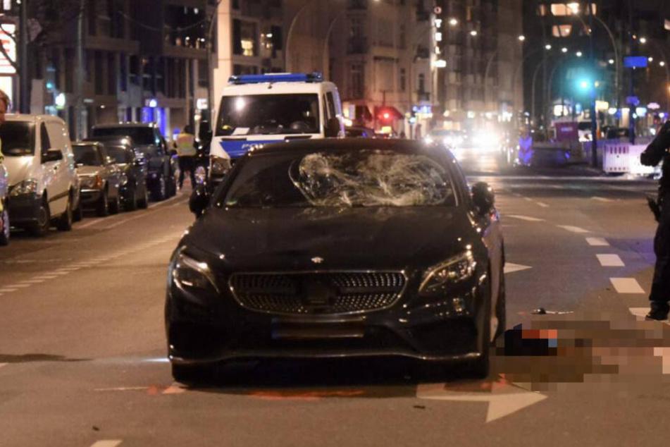 Dieser Mercedes fuhr den Mann an.