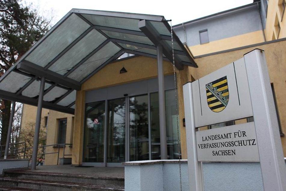 Der sächsische Verfassungsschutz soll bleiben, aber besser und transparenter kontrolliert werden, so die Kommission.