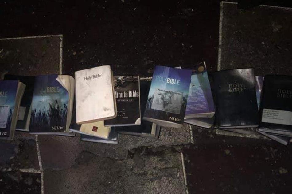 Diese Bibeln blieben verschont.