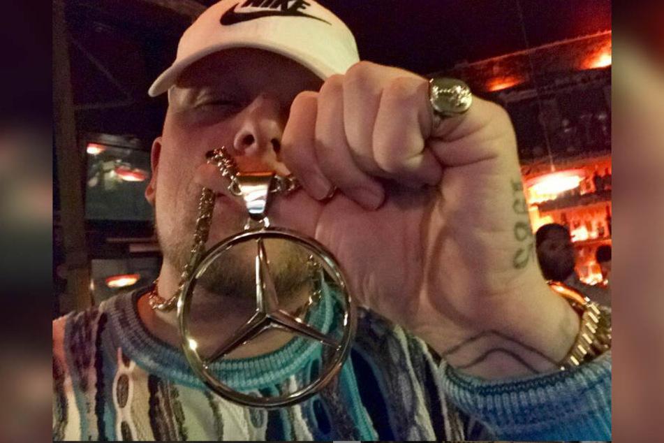 Ob Rolex oder Goldkette - Bonez MC protzt gerne mit seinem Reichtum.