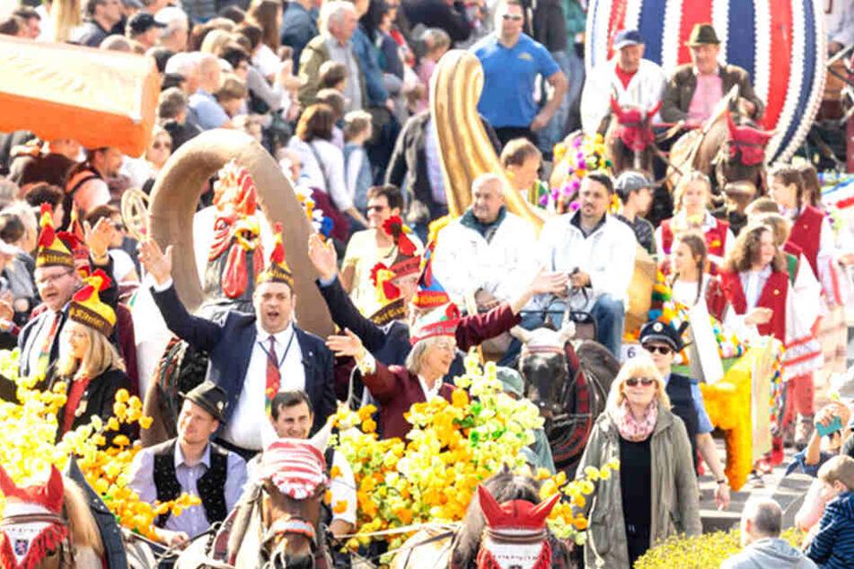 """Das Fest stand unter dem Motto: """"Doamals em ahlen Isenach""""."""