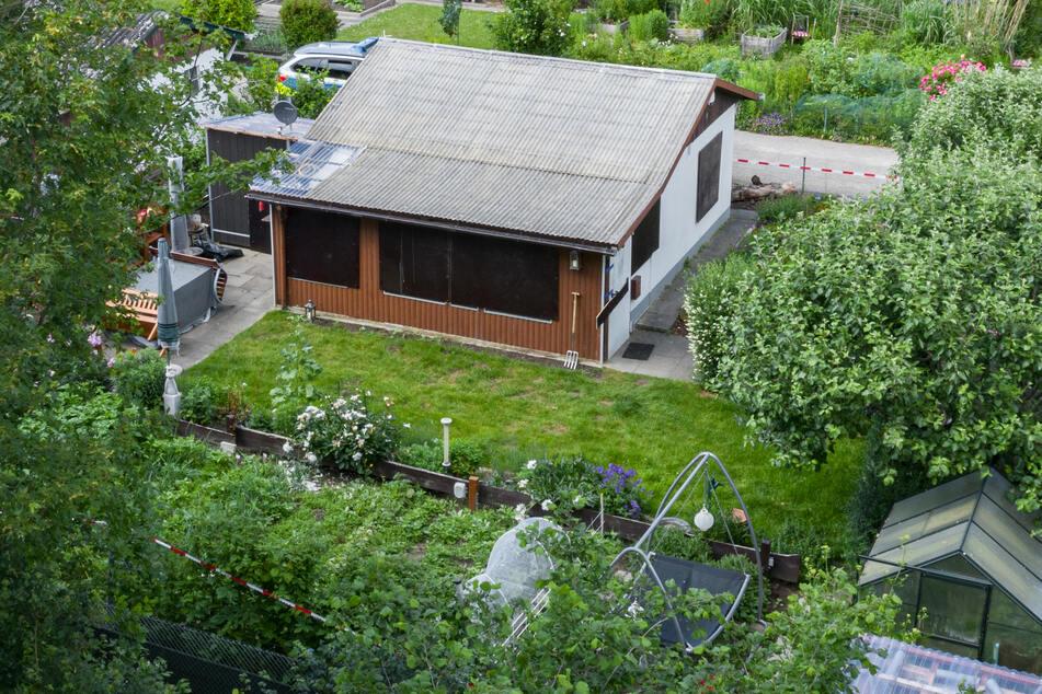 In dieser Gartenlaube soll es zu einigen der Übergriffe gekommen sein. Mittlerweile wurde sie abgerissen.