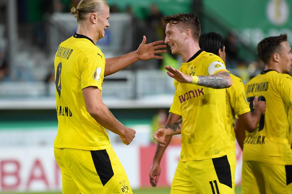Mit einem Dreierpack schoss Erling Haaland (21, l.) den BVB im DFB-Pokal beim SV Wehen Wiesbaden (3:0) allein in die 2. Runde.
