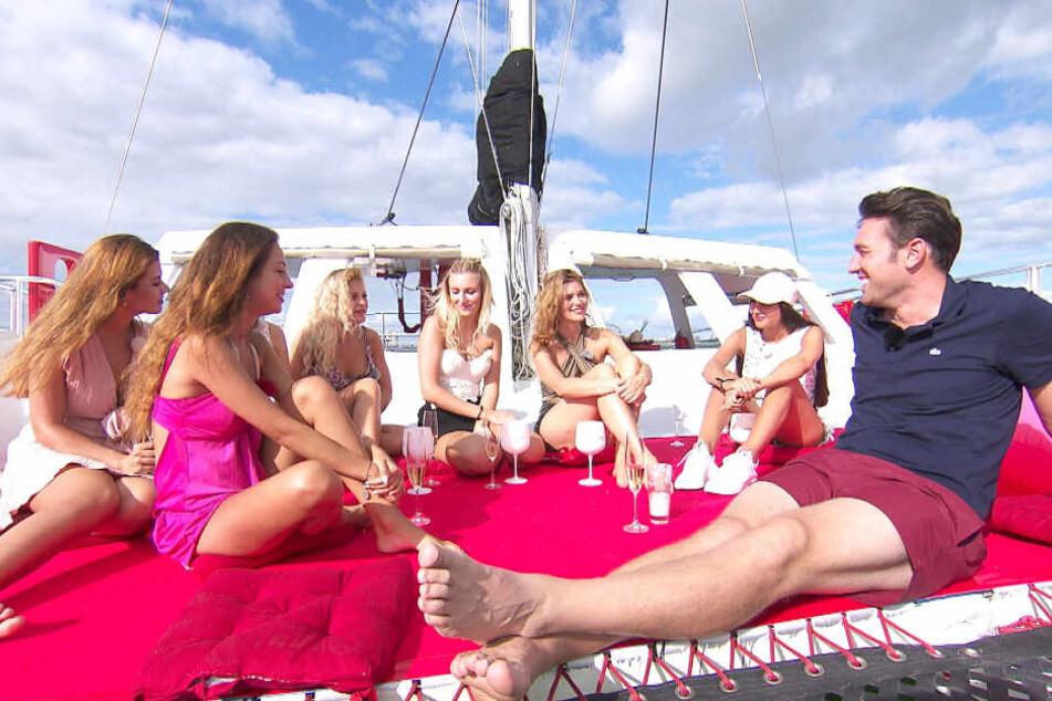 Mit sechs Konkurrentinnen und dem Bachelor ging es für Jessica auf den Katamaran.