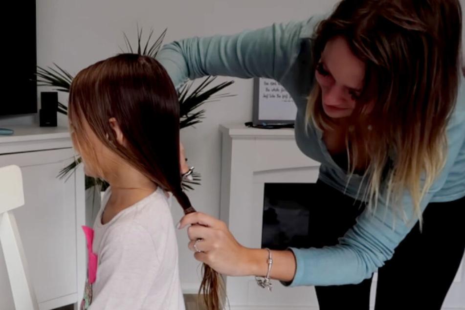 Anne Wünsche (28) musste ihrer Tochter Miley die langen Haare abschneiden.