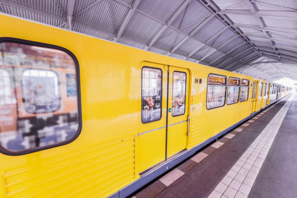 Anders als etwa in München wird es in Berlins U-Bahnhöfen vorerst keine Bahnsteigtüren geben. (Symbolbild)