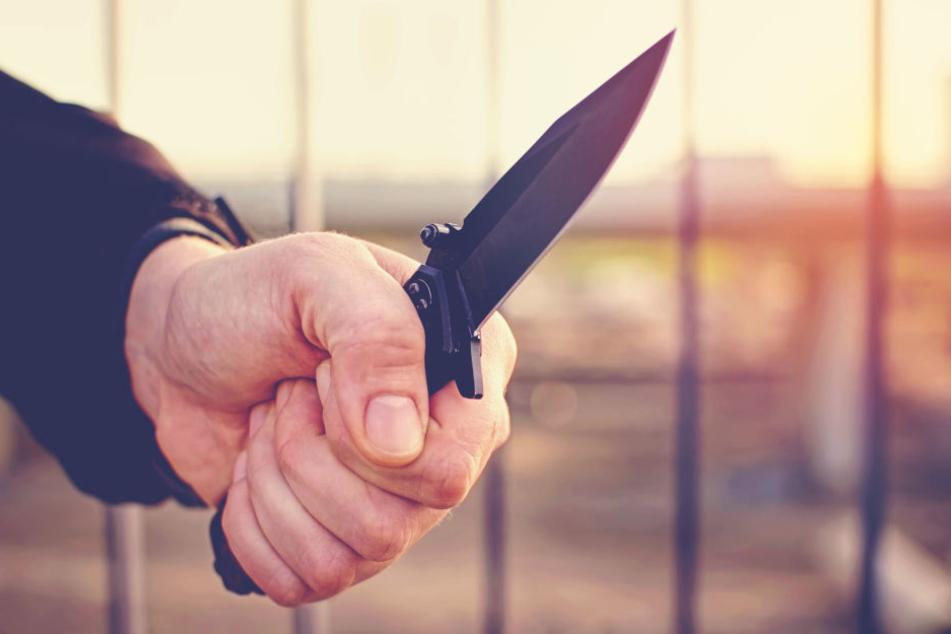 Messer wird vor allem bei jungen Menschen als Tatwaffe immer beliebter. (Symbolbild)