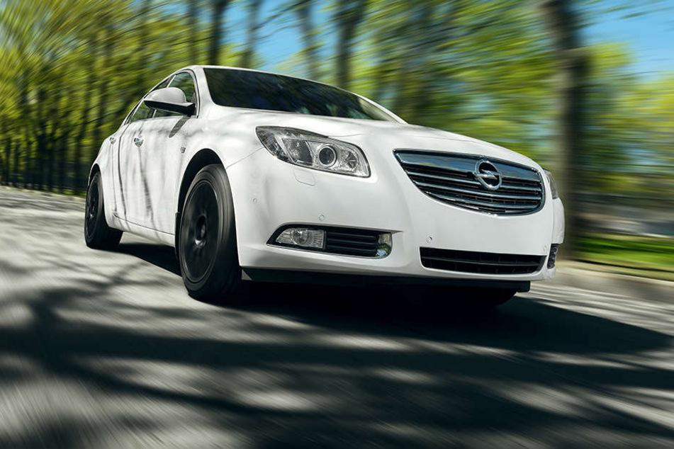 Ein 32-jähriger Belgier wurde in einer 50er-Zone mit seinem Opel Astra mit 696 km/h geblitzt. (Symbolbild)