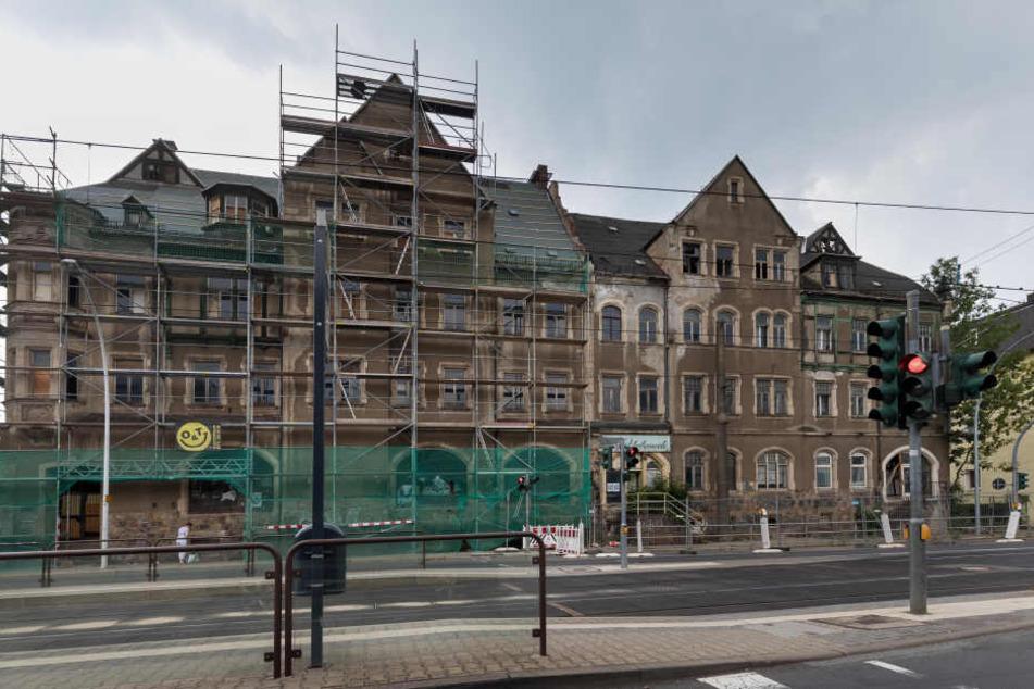 Haus in der Annaberger Straße in Gefahr: Ein Investor will alles erhalten, die Stadt möchte zumindest die rechte Seite abreißen.