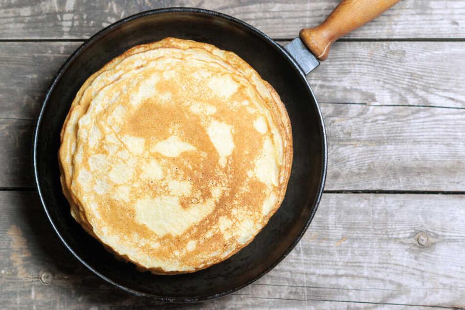 """Ob süß oder herzhaft: Jeder mag Pfannkuchen. Doch die Rezept-Idee von Ian """"Moose"""" Abrahams rief bei seinen Followern nur blankes Entsetzen hervor. (Symbolbild)"""