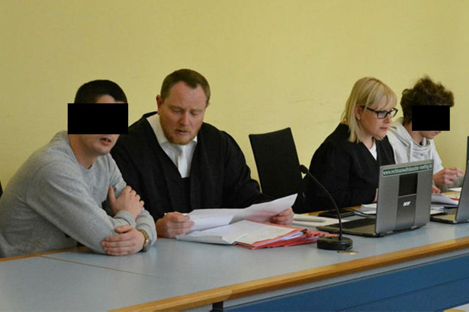 Das Einbrecher-Duo Michael A. (29, l.) und Tobias B. (22) muss in den  Knast.