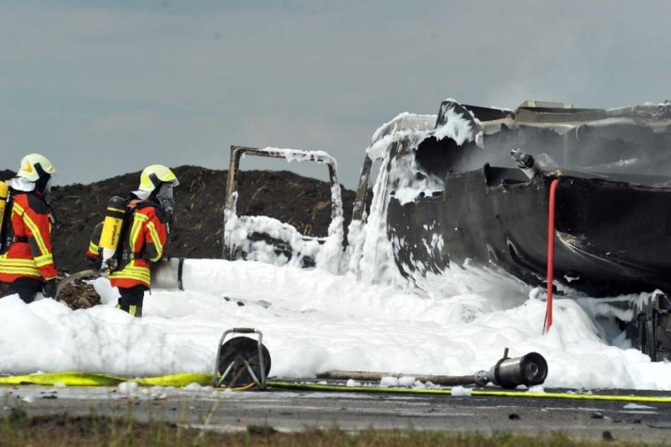 Das Feuer konnte am späten Nachmittag gelöscht werden. (Symbolbild)