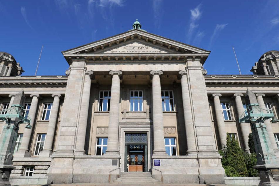 Das Hanseatische Oberlandesgericht verhandelt gegen einen 29-Jährigen, der in Syrien für den IS gekämpft haben soll (Archivbild).