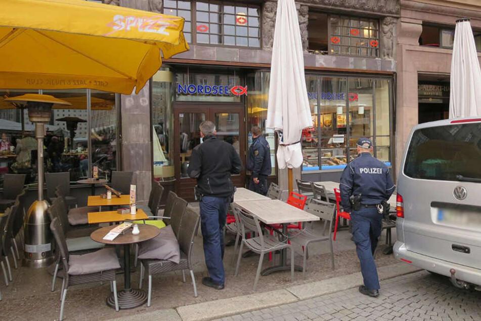 Am Freitagmorgen gab es einen Säure-Alarm am Leipziger Marktplatz.