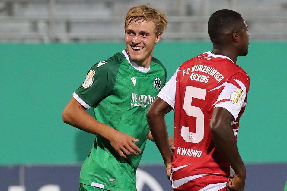 Hannover 96 möchte Timo Hübers (24, l) gerne halten, aber der Defensivmann will in der kommenden Saison Bundesliga spielen.