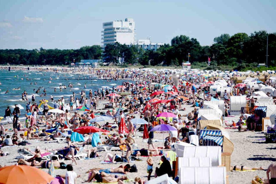 Der Küstenbereich am Timmendorfer Strand ist bei Badegästen besonders beliebt.
