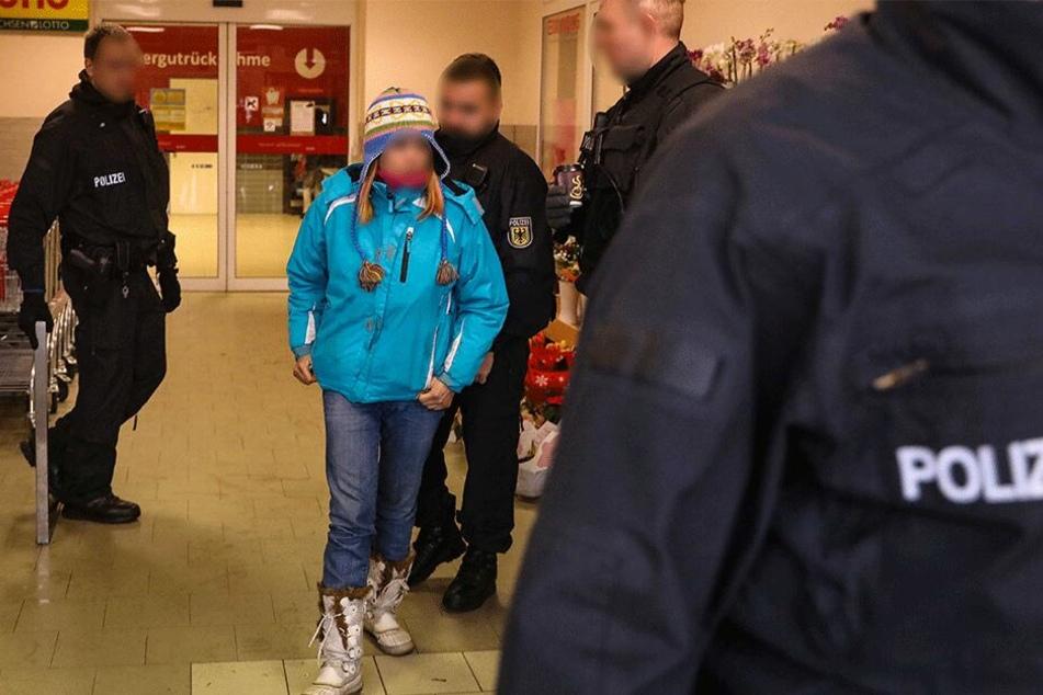 Im Dezember nahmen Bundespolizisten die Vietnamesin nach der Hausdurchsuchung in Pirna fest. Die mutmaßliche Hehlerin ist inzwischen wieder auf freiem Fuß.