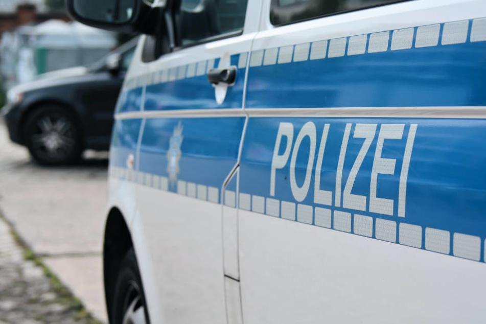 Am Einsatz der Bonner Polizei waren Zivil-Fahnder, Ermittler des Rauschguft-Kommissariats und ein Spürhund beteiligt.