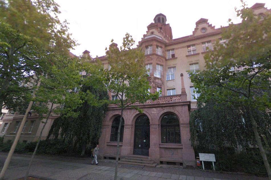 In Leipzig ist der erste Corona-Fall an einer Schule aufgetreten.