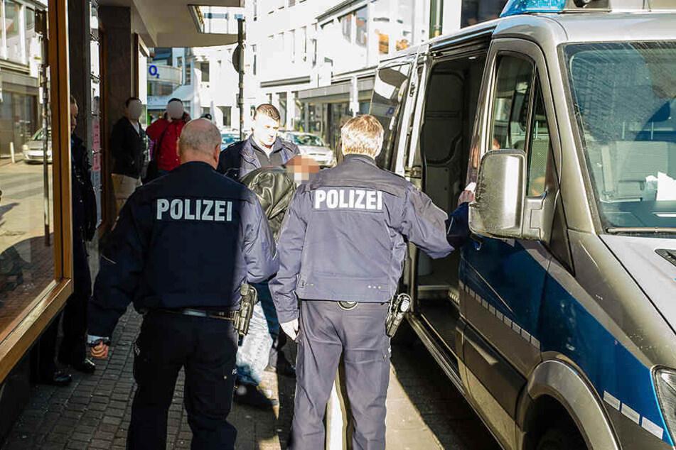 Noch am Tattag wurde der 51-Jährige als dringend tatverdächtig festgenommen.