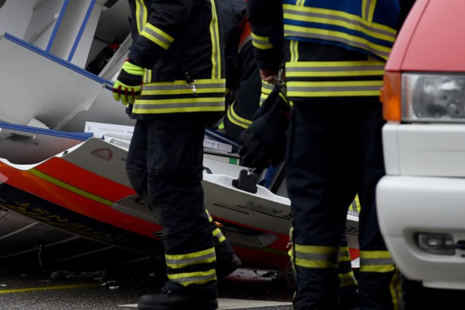 Der Sanitäter übersah die Unfallfahrzeuge (Symbolfoto).