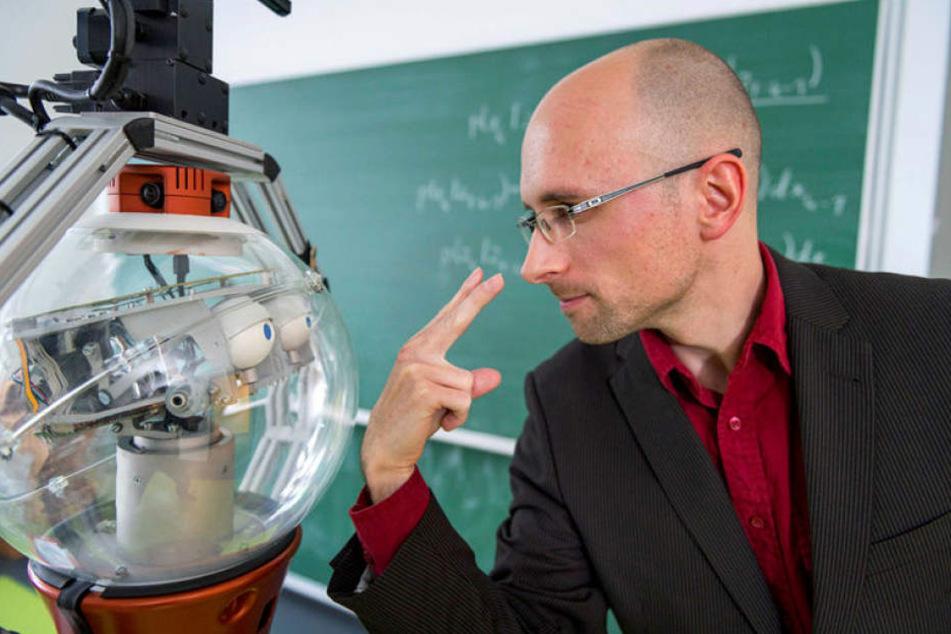 Dieser sächsische Doktorand bringt Robotern das Sehen bei