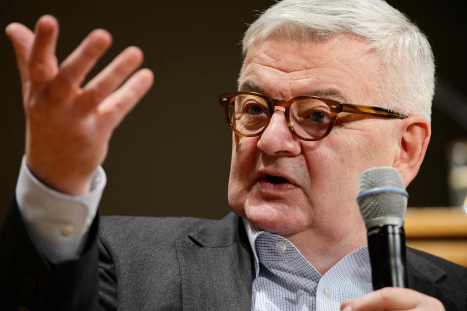 Findet wie immer deutliche Wort: Ex-Grünen-Außenminister Joschka Fischer (69). (Archiv)
