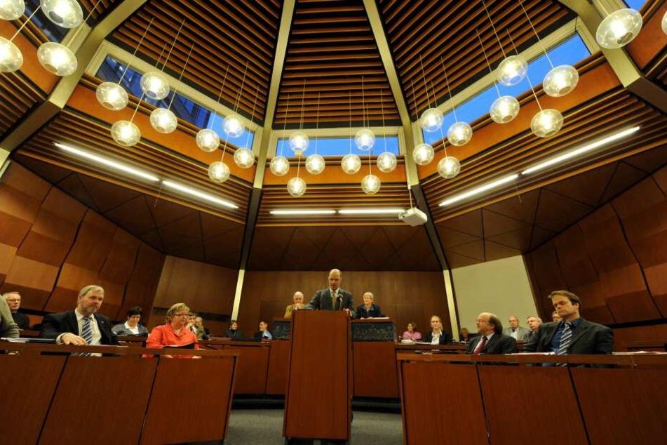 Simon Faber hielt als Oberbürgermeister im Flensburger Rathaus eine Rede (Symbolbild).