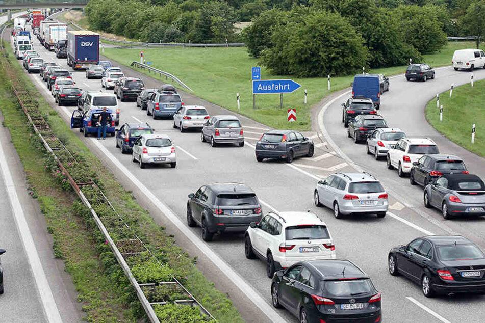 Nach Unwetter: Erdrutsch auf der A14 führt zur Vollsperrung