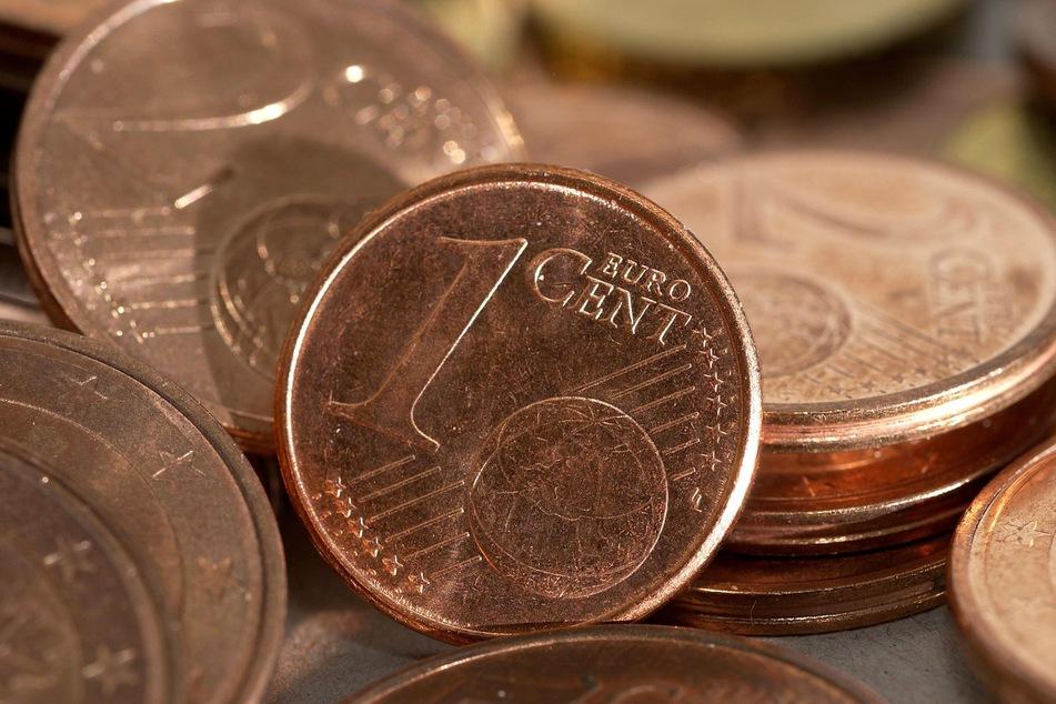 Euro-Cent-Münzen liegen auf einem Haufen. (Symbolbild)
