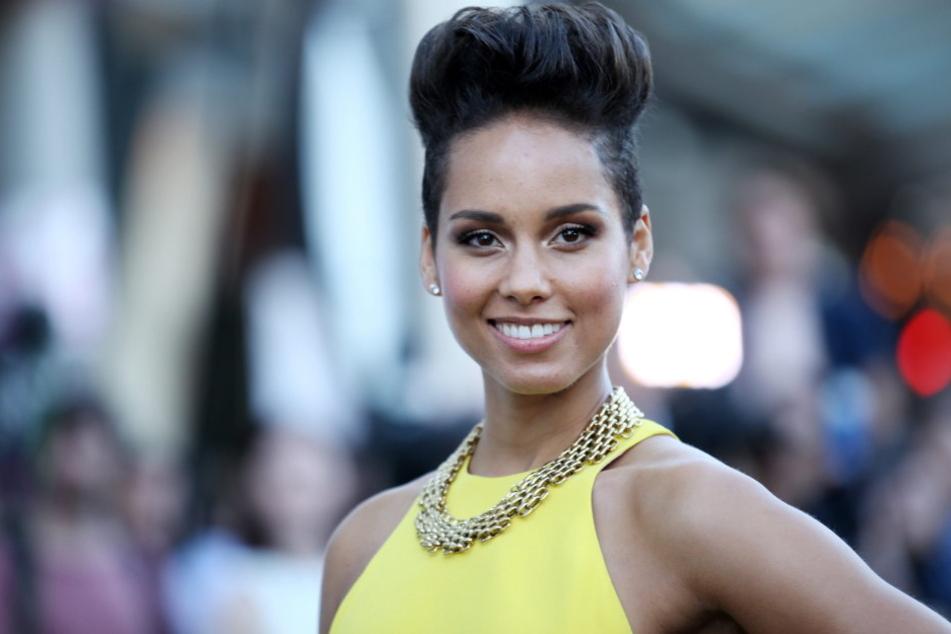 Alicia Keys hat mit einem Statement bei Twitter eine Diskussion ausgelöst.