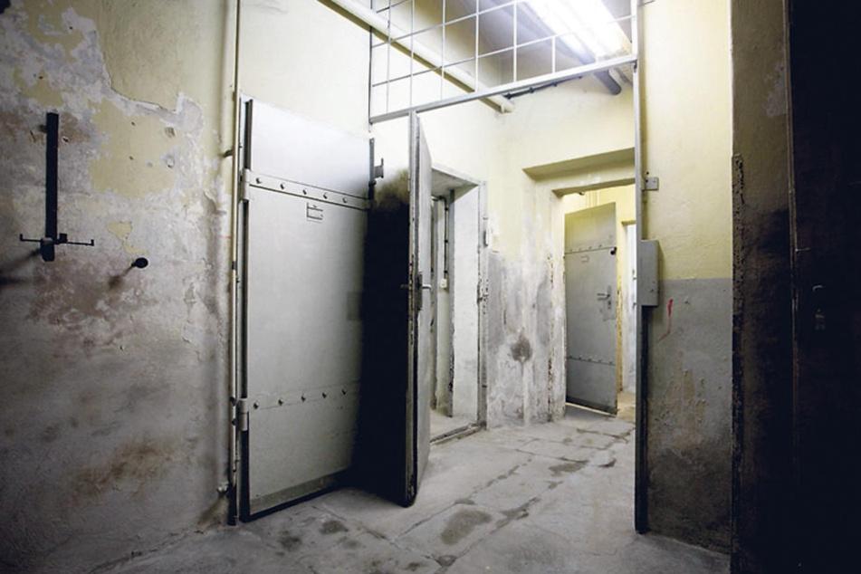 Im Stasi-Knast auf der Bautzner Straße wurden die damals 17-Jährigen verhört und bis zur Verurteilung gefangen gehalten.