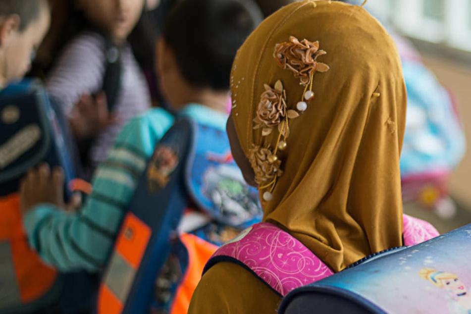 NRW erwägt Kopftuchverbot für Mädchen unter 14 Jahren