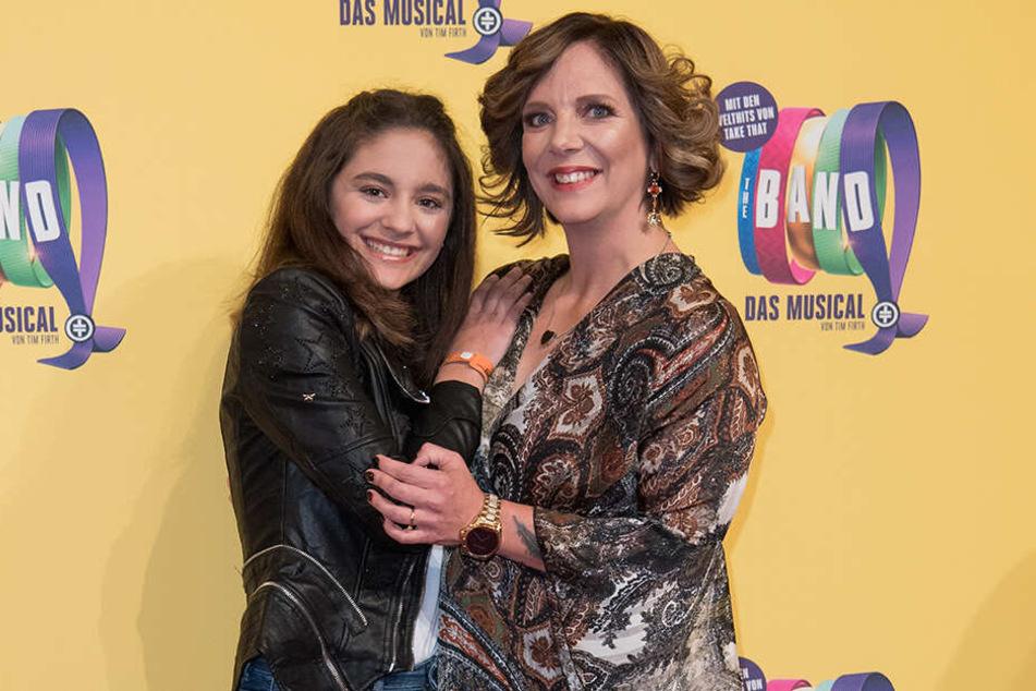 Danni Büchner mit ihrer Tochter Jada.