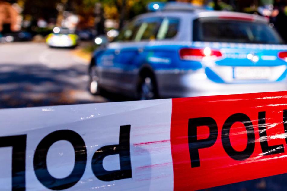 München: Frau liegt tot in Wohnung: Hat ihr eigener Ehemann sie erstochen?
